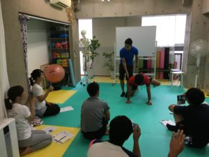 学生,フィットネス,勉強会,トレーナー,大阪